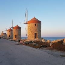 Mühlen unweit vom Hafen Rhodos