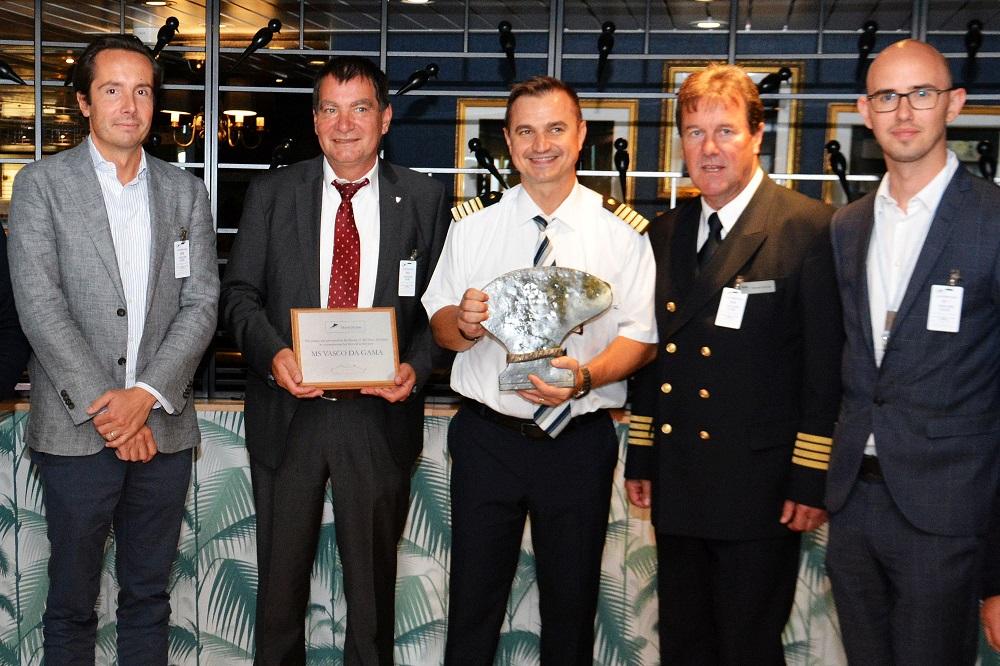 Kieler Hafen: MS VASCO DA GAMA zum Erstanlauf am Ostseekai begrüßt
