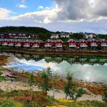 Norwegische Ferienhäuser in der norwegischen Kleinstadt Stokmarknes