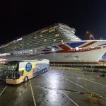 Die IONA hat das überdachte Baudock der Meyer Werft verlassen